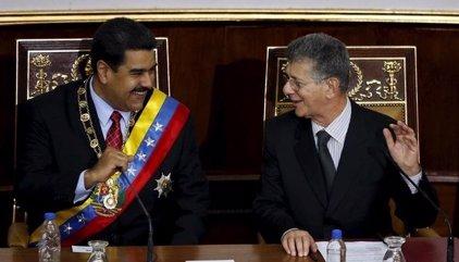 Cronología de un año de crisis institucional en Venezuela