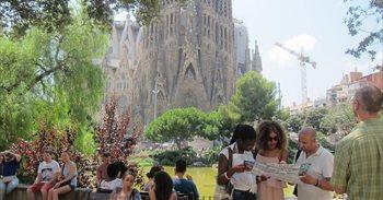 Barcelona sancionará 13 residencias de estudiantes por operar como...