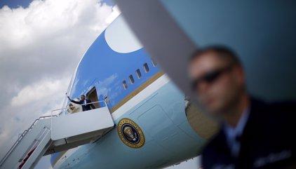 """Trump insta a """"cancelar"""" el pedido a Boeing de un nuevo Air Force One"""