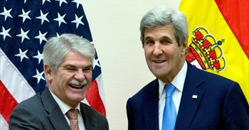 """Dastis y Kerry constatan el """"excelente"""" estado de las relaciones..."""