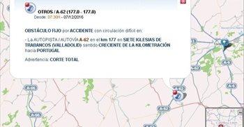 Cortada la A-62 en Siete Iglesias tras chocar un autobús y un turismo
