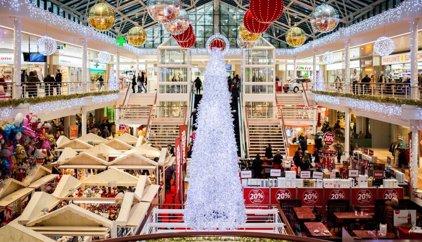 Los españoles gastarán 450 euros en compras de Navidad, un 15% más que en 2014