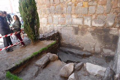Excavaciones en la muralla de Ávila dejan ver vestigios del siglo XI