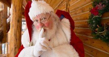 Cuatro hombres vestidos de Papá Noel atracan una tienda de Apple en...