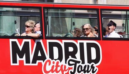 Un juez obliga al Ayuntamiento a que deje acceder a Gran Vía a todos los buses turíticos