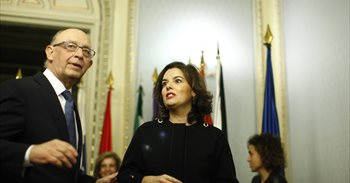 El Gobierno remite a Bruselas el plan presupuestario de 2017 con cambios...