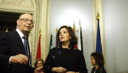 El Gobierno remite a Bruselas el plan presupuestario de 2017 con cambios tributarios por 7.500 millones