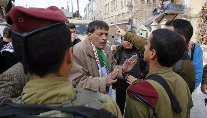 Israel dispersa con gases lacrimógenos un homenaje a Abu Ein dos años después de su muerte