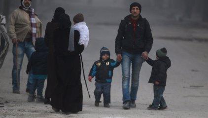 Unos 18.000 civiles han sido evacuados de Alepo oriental en el primer día de tregua