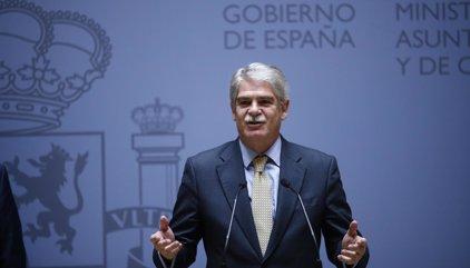 Dastis cesa en bloque a los embajadores en edad de jubilación que prorrogó Margallo