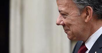 Santos recibe el premio Nobel de la Paz por firmar la paz con las FARC