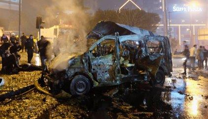 Gobierno turco eleva a 38 los muertos por el doble atentado cerca del estadio del Besiktas