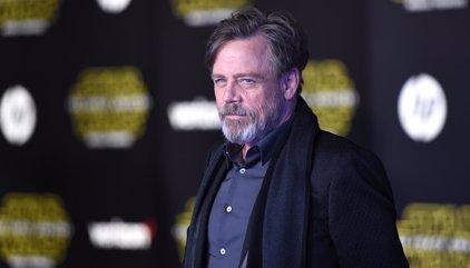"""Star Wars: Mark Hamill cree que los spin-off tienen """"ventaja"""" sobre las trilogías"""