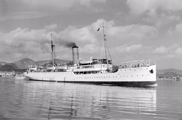 Primeros barcos de Trasmediterránea