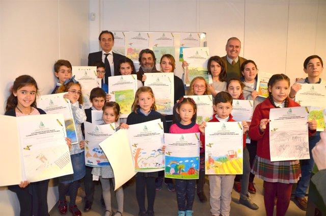 Asaja y la caja rural del sur entregan los premios del for Caja rural granada oficinas