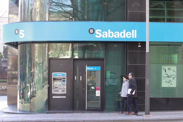 Banco sabadell cerrar unas 250 oficinas en 2017 y for Buscador oficinas sabadell