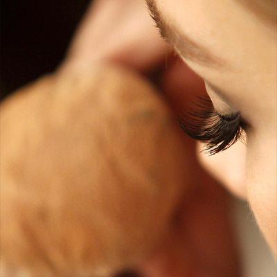 Foto: Así se aplica correctamente la base de maquillaje; ¿segura de que sabes hacerlo? (MAQUILLAJE POR CORDON PRESS)