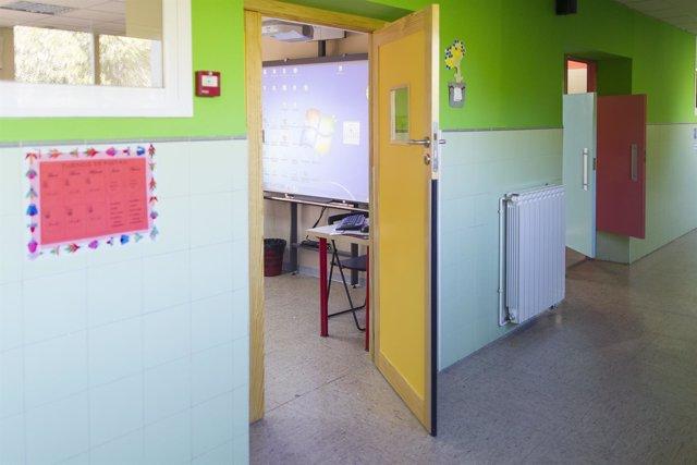Imagen de archivo de un aula escolar