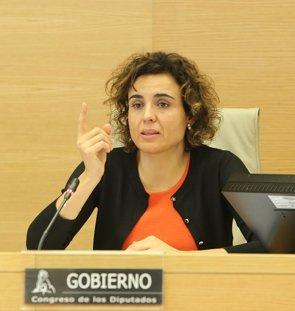 Montserrat aclara que no tiene previsto reformar el copago farmacéutico aunque se estudiará el tramo de más de 18.000 € (EUROPA PRESS)