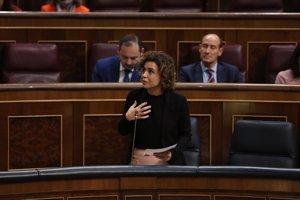 Unidos Podemos-En Comú y ERC piden que Montserrat explique urgentemente en el Congreso su reforma del copago