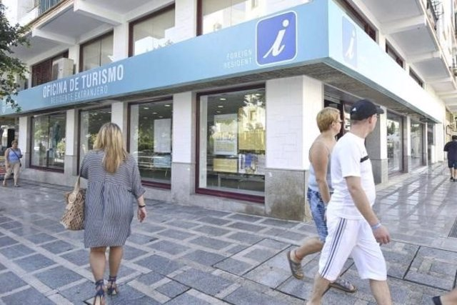 Las oficinas de turismo de torremolinos atienden a m s de for Oficina turismo malaga