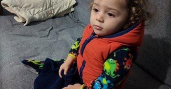 Qamar, niña refugiada enferma en Grecia, cada vez más cerca de vivir en...