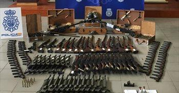 Incautan más de 10.000 armas en la operación contra la red del detenido...