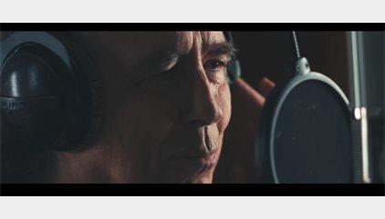 Serrat estrena un videoclip para 'Mediterráneo' en apoyo a los refugiados
