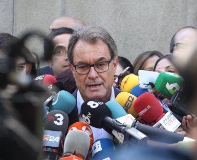 Mas no s'autodescarta com a candidat i insinua que Puigdemont serà a la llista (EUROPA PRESS)