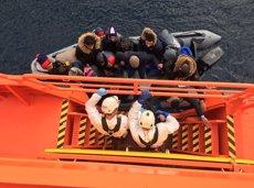 Rescatada una pastera amb 43 persones en les costes d'Almeria després de dues jornades de recerca (EUROPA PRESS/SALVAMENTO MARÍTIMO)