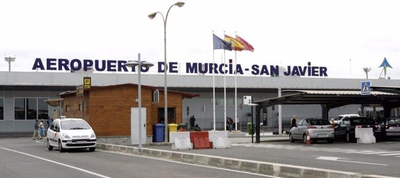 El Aeropuerto de Murcia-San Javier recibe un vuelo directo procedente de Kiev (Ucrania)