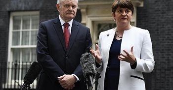 El Gobierno británico convoca elecciones anticipadas en Irlanda del Norte...