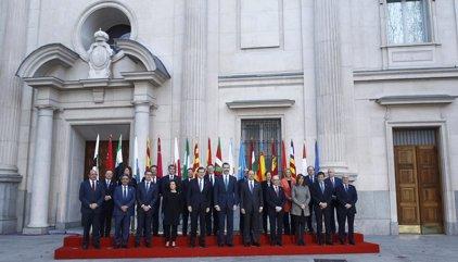 Arranca la VI Conferencia de Presidentes, tras la foto de familia con el Rey