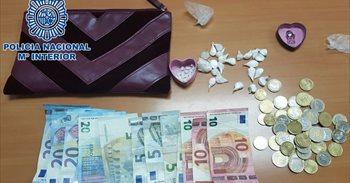Detenidas dos mujeres en Las Palmas de Gran Canaria al ofrecer droga a...