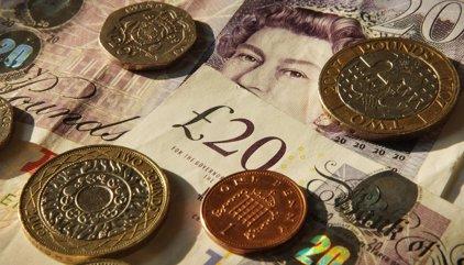 La libra experimenta su mayor repunte diario desde 2008 tras el discurso de Theresa May