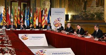 Page acepta la propuesta de Murcia de un pacto del agua que aborde...