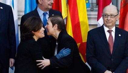 """Santamaría valora que Cataluña se quiera """"reenganchar"""" a la  Conferencia de Presidentes"""