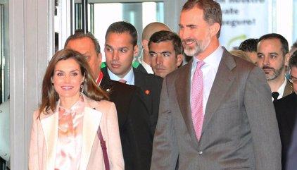 Los Reyes Felipe y Letizia vuelven juntos a recorrer el mundo en una mañana