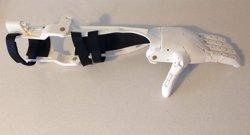 Investigadores de la CEU San Pablo donan a un ciudadano de Paraguay una prótesis de brazo fabricada con impresión en 3D