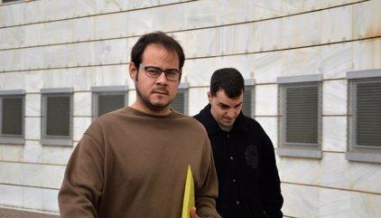 Detienen al rapero Hasél para declarar por un enfrentamiento con periodistas en la UdL