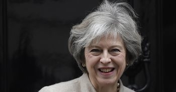 """May admite que Reino Unido se enfrenta a un """"cambio trascendental"""" por el..."""