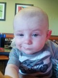 Bebé con pose Chulesca