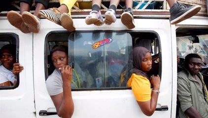 España aconseja a sus ciudadanos abandonar Gambia por sus propios medios