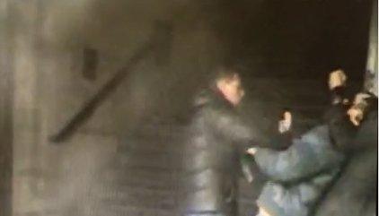 La Policía busca a los autores de un atraco en Metro por el violento método del 'mataleón'