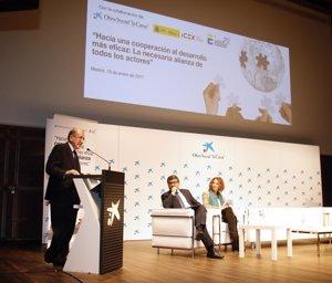 Expertos abogan por la colaboración entre empresas y ONG para aumentar la eficacia de la cooperación al desarrollo