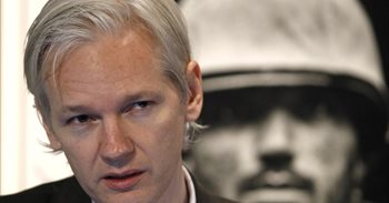 Assange mantiene su oferta de ser extraditado a Estados Unidos