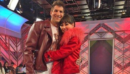 Julián Contreras Jr. pide una cita en el plató de 'Cámbiame VIP' a Natalia Ferviú