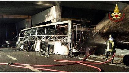 Aumentan a 16 los muertos y a 39 los heridos por el accidente de autobús en Verona