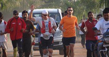 II Anantapur Ultramaratón, una carrera de 500km para apadrinar de 500...