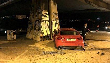 Cae con su coche desde un puente de Sevilla y da positivo en alcohol y cocaína